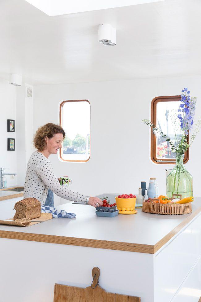 Margriet-Hoekstra-VT-wonen-Zaandam-woonboot-012