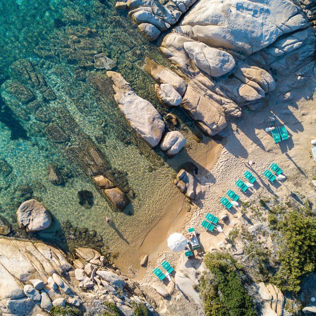 Drone Sardinie afgelegen baai